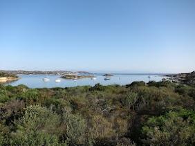 De flottielje in Cala Garinaldi